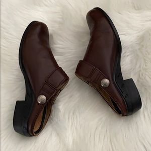 Ariat  leather slip on clogs